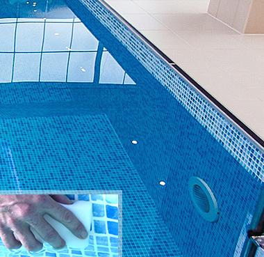 produits de nettoyage pour piscine petit prix. Black Bedroom Furniture Sets. Home Design Ideas