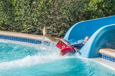 Toboggan piscine enterr e et hors sol en dur et gonflables - Toboggan pour piscine hors sol intex ...