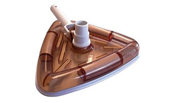 T te de balai triangulaire pour le nettoyage de votre for Balai aspirateur piscine triangulaire