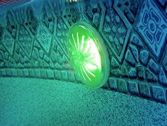 Projecteur led pour piscine acier gr ampoule couleur for Spot led piscine hors sol